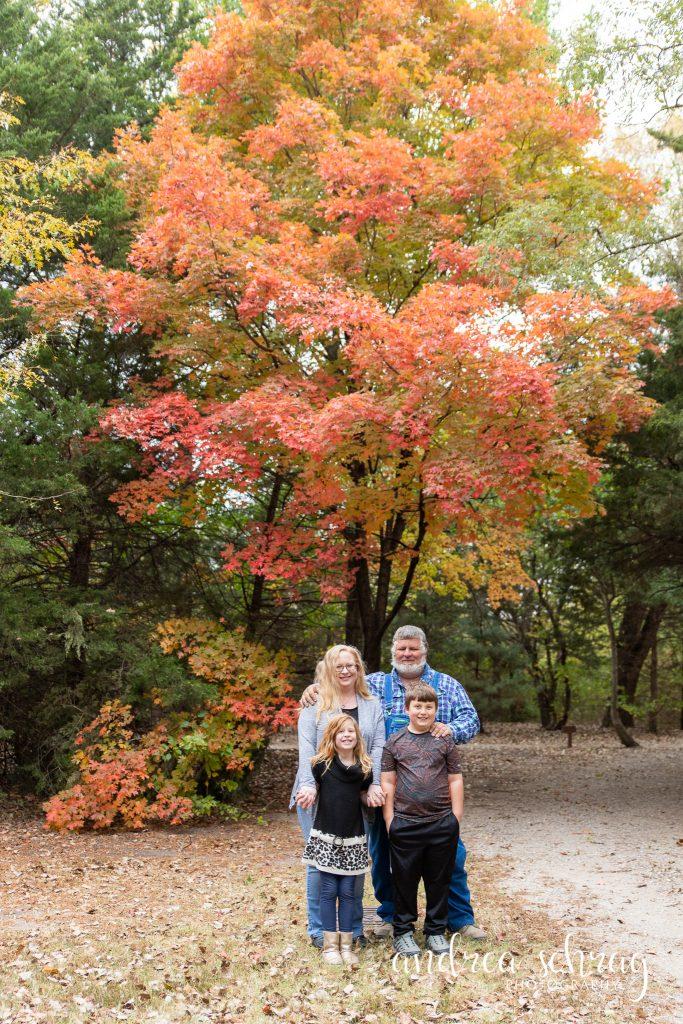 fall 2020 mini session at Dillon nature center in hutchinson kansas