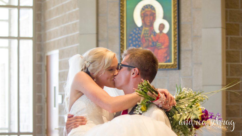 Hutchinson, KS wedding photographer
